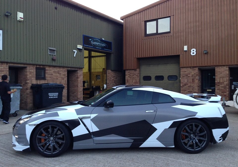 Vehicle Wraps vs. Vinyl Vehicle Lettering